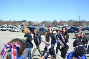"Ms Maryland and Ms Teen Maryland giving our girls the ""thumbs up"""